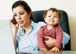 Blog | Feature Image Single Mom on Phone